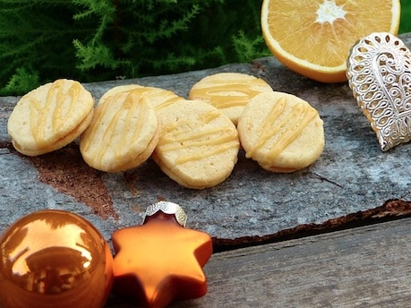 sLow Carb Rezept Weihnachten: Mohnplätzchen mit Lemon Curd